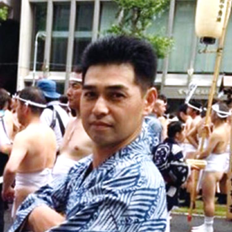 六代目 頭 栫井 健一郎